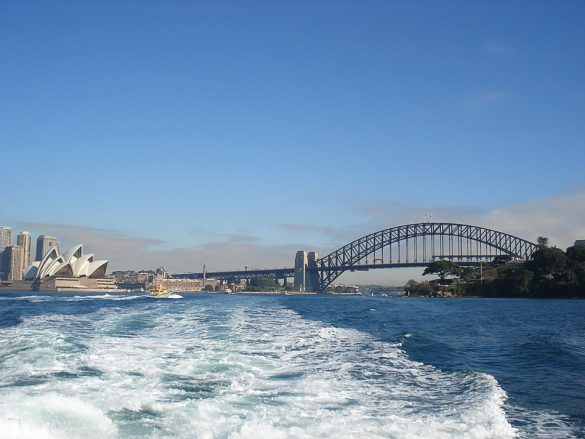 Syneyska opera in Harbour Bridge