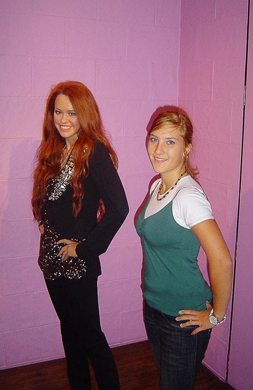 lutka Miley Cyrus v Madame Tassauds v Londonu