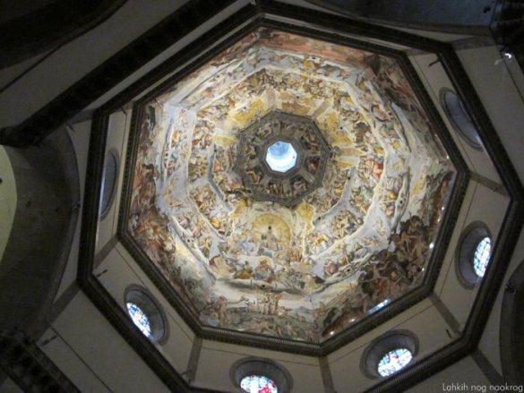 s freskami poslikana kupola v Firencah