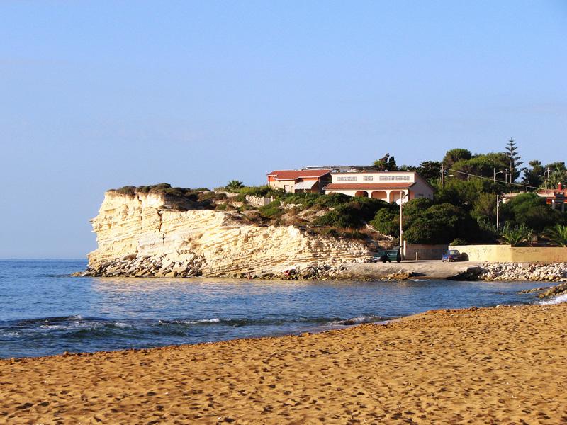 peščena plaža in klifi, Sicilija