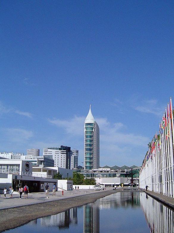 stolpnica v obliki jadra v Lizboni