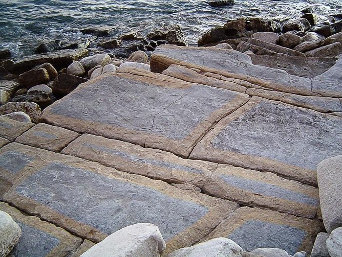 skala v pravokotni obliki, plaža Luz