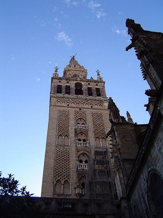 gotski zvonik Giralda v Sevilji