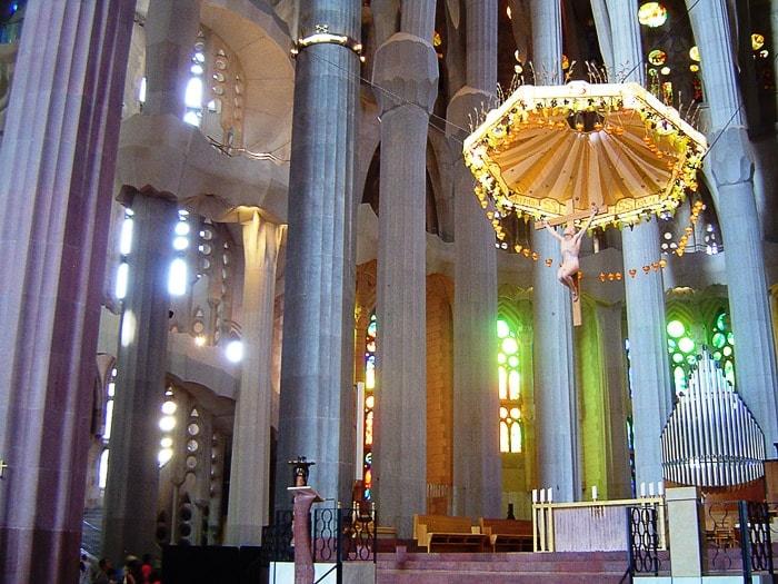Glavni oltar Sagrade Familie