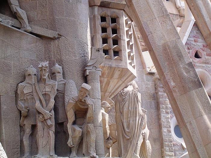 detajl s fasade cerkve Sagrada Familia