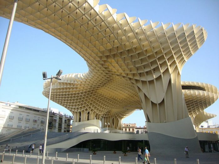 metropol parasol - lesena konstrukcija v obliki gobe