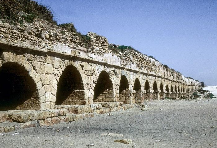 viadukt Cezareja