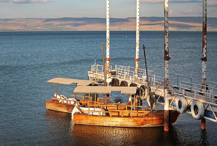 ladje na galilejskem jezeru