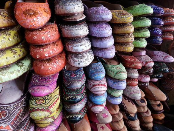 usnjeni izdelki maroko fez, pisani natikači