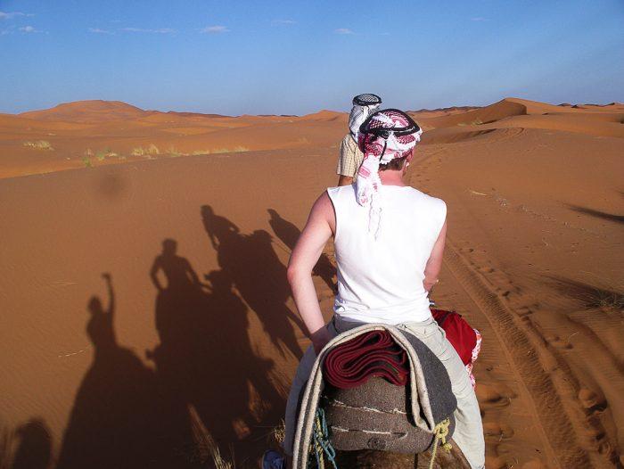 jahanje kamel v sahari