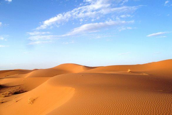 sipine Erg Chebi, Sahara Maroko
