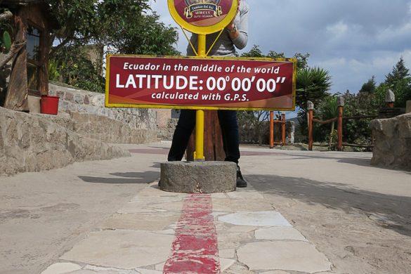 ženska na ekvatorju, Mitad del Mundo