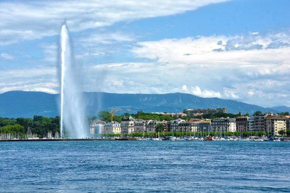 vodomet Jet d'Eau sredi jezera