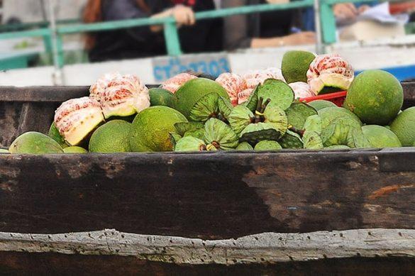 pomaranče na plavajoči tržnici Cai Rang