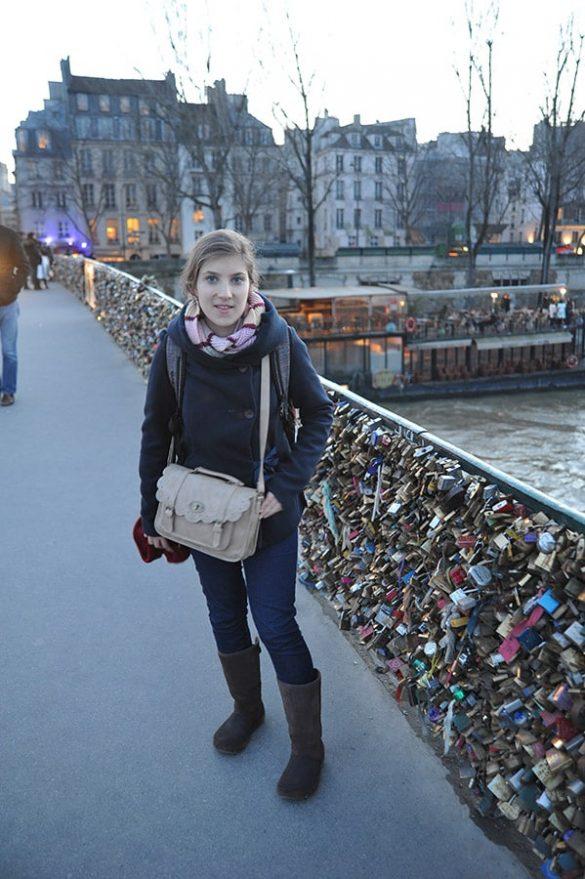 turistka v parizu
