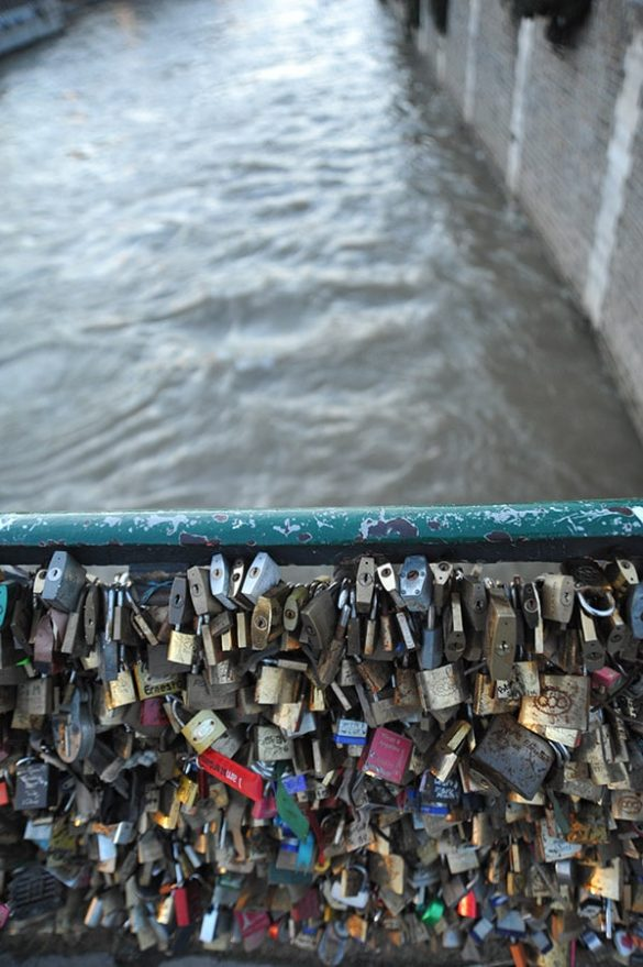 Ključavnice na mostu Pont des Arts