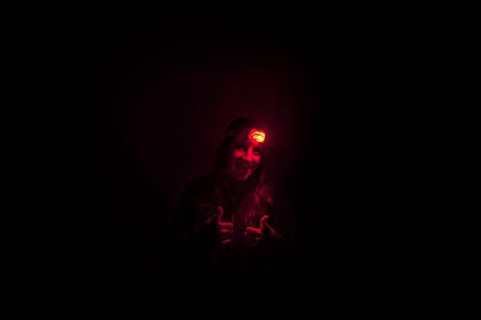 rdeča čelna svetilka