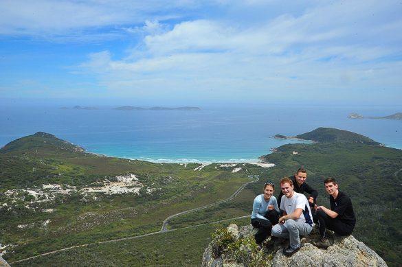 skupina mladih na Mt Bishop, Avstralija
