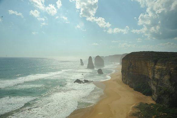 12 apostolov avstralija