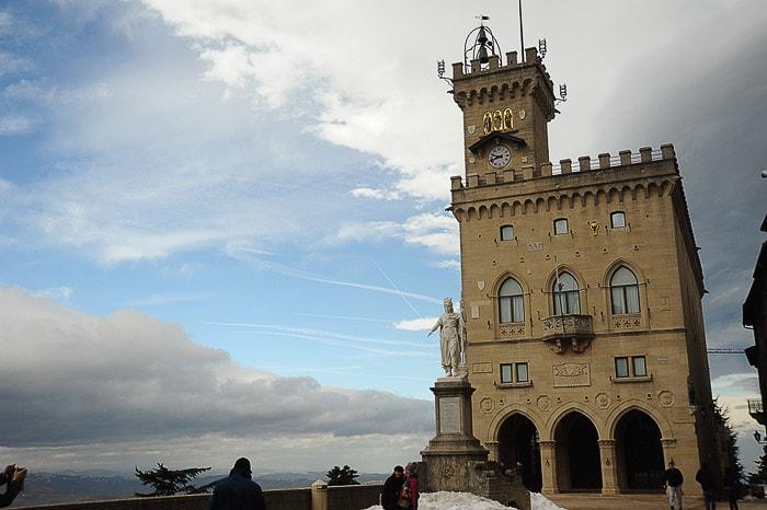 Palazzo Publico, palača s stolpom v italijanskem stilu