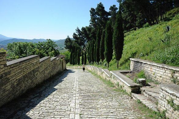 kamnita cesta