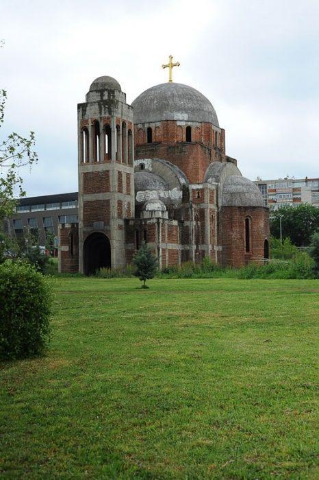 Nedokončana pravoslavna cerkev v Prištini