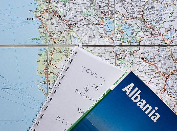 knjiga Albanija na zemljevidu albanije
