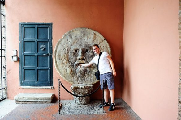 moški pred Boca de la Verita, Rim