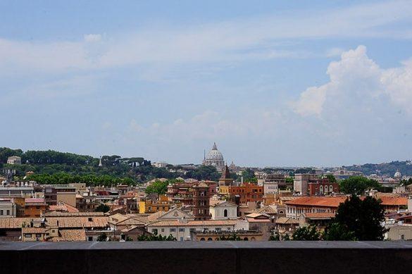 pogled iz Giardino degli Aranci na Rim