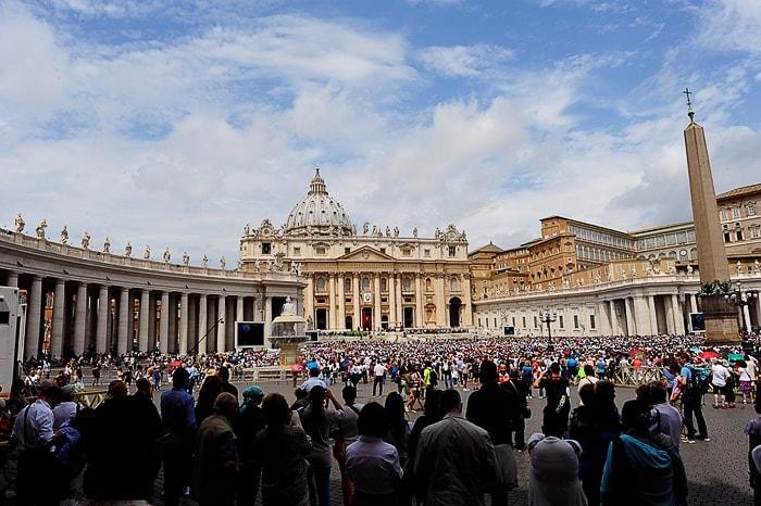 trg svetega Petra v Vatikanu