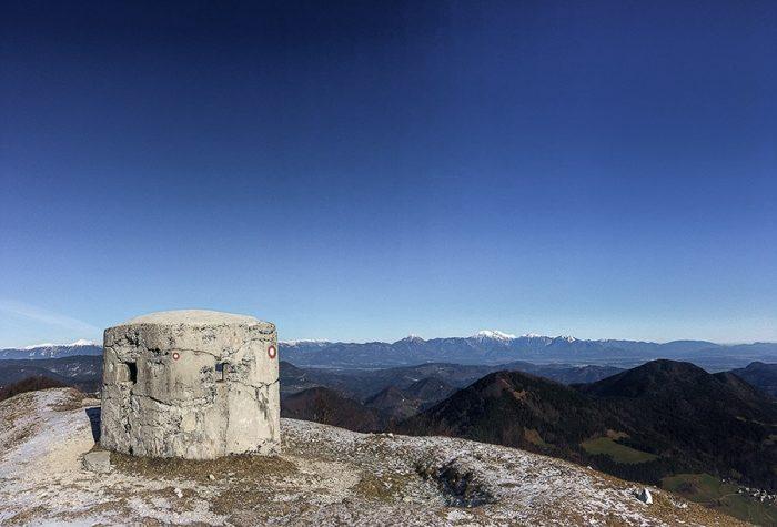 bunker na vrhu gore Blegoš