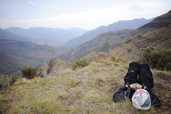 ženska počiva v parku Tsehlanyane