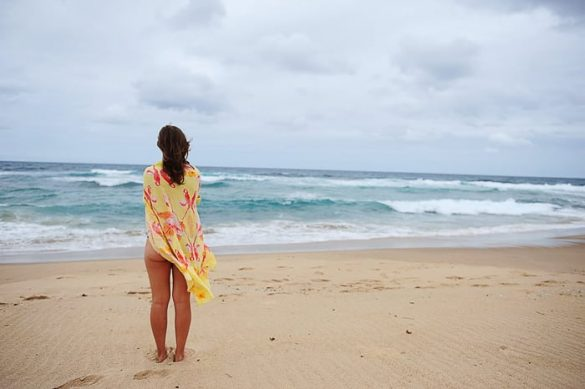 ženska na plaži Mabibi Beach