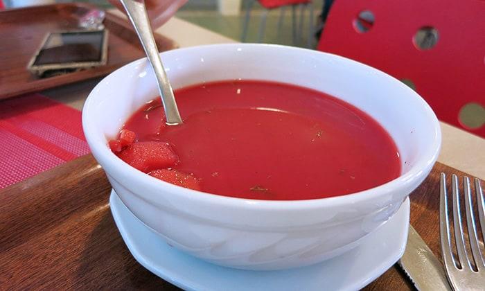 rdeča juha, juha iz rdeče pese ali boršt