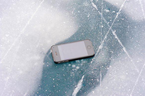 iPhone na ledu, jezero Weissensee