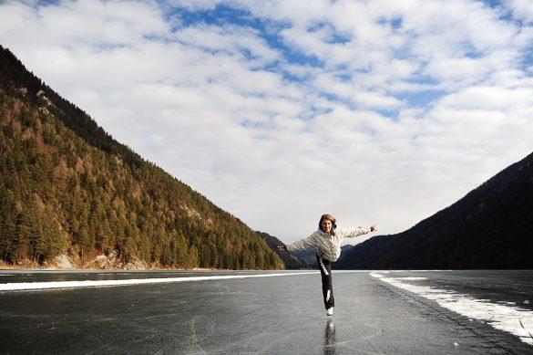 Drsanje na zeledenelem jezero Weissensee