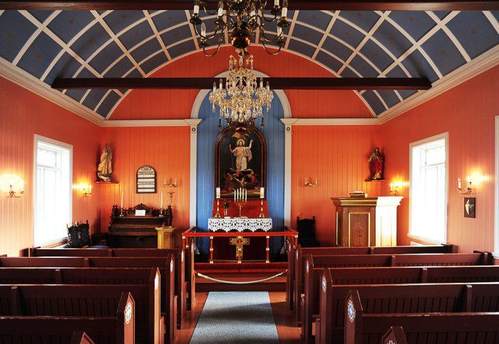 Notranjost cerkve Strandakirkja