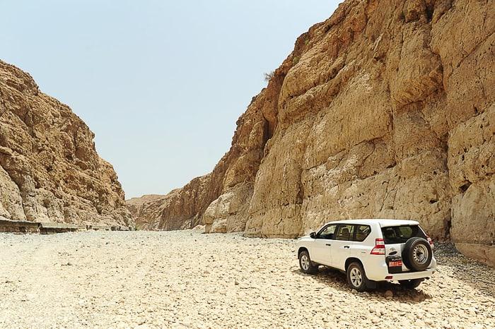 toyota prado v kanjonu Wadi Daykah