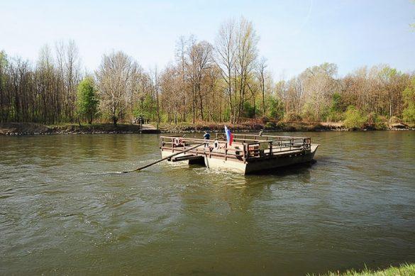 brod na reki Muri