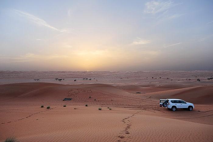 sončni zahod v puščavi Wahiba