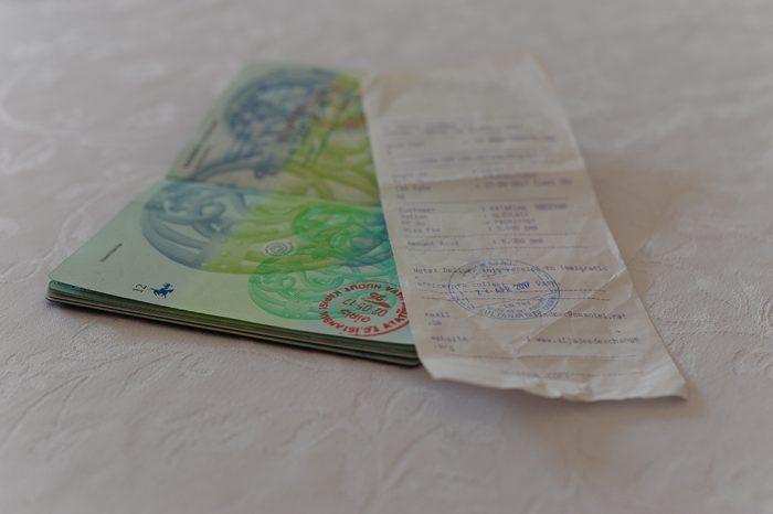 potni list in račun za vizo
