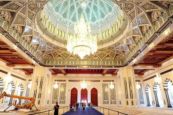 molilnica v mošeji Sultan Qaboos Grand Mosque