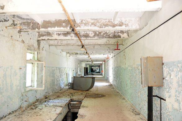 zapuščen hodnik pod sovjetsko anteno Černobil 2