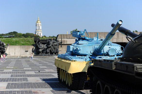ukrajinski tank v Kijevu