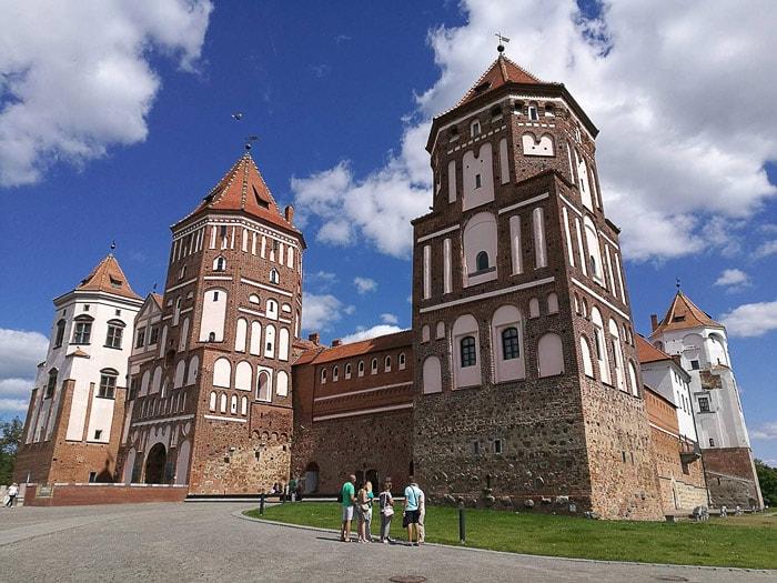 opečnati gotski beloruski grad, grad Mir