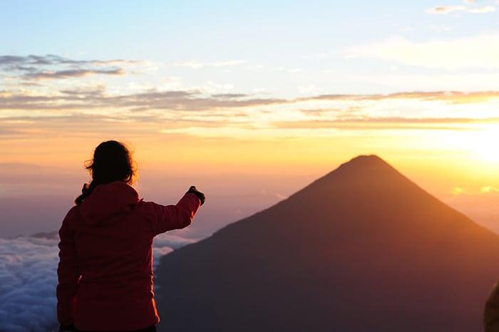sončni vzhod vulkan Acatenango, Gvatemala