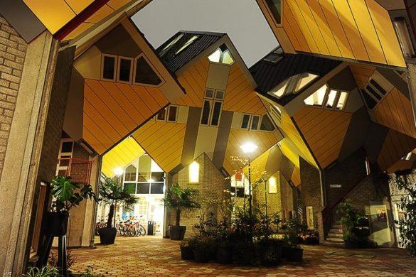 atrij med hišami cube houses