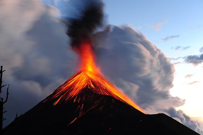 bruhajoči vulkan, Gvatemala