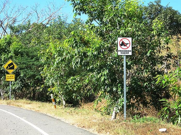 znak za prepoved streljanja