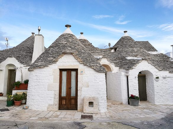 tipične hiške v Alberobello, kjer ljudje še živijo